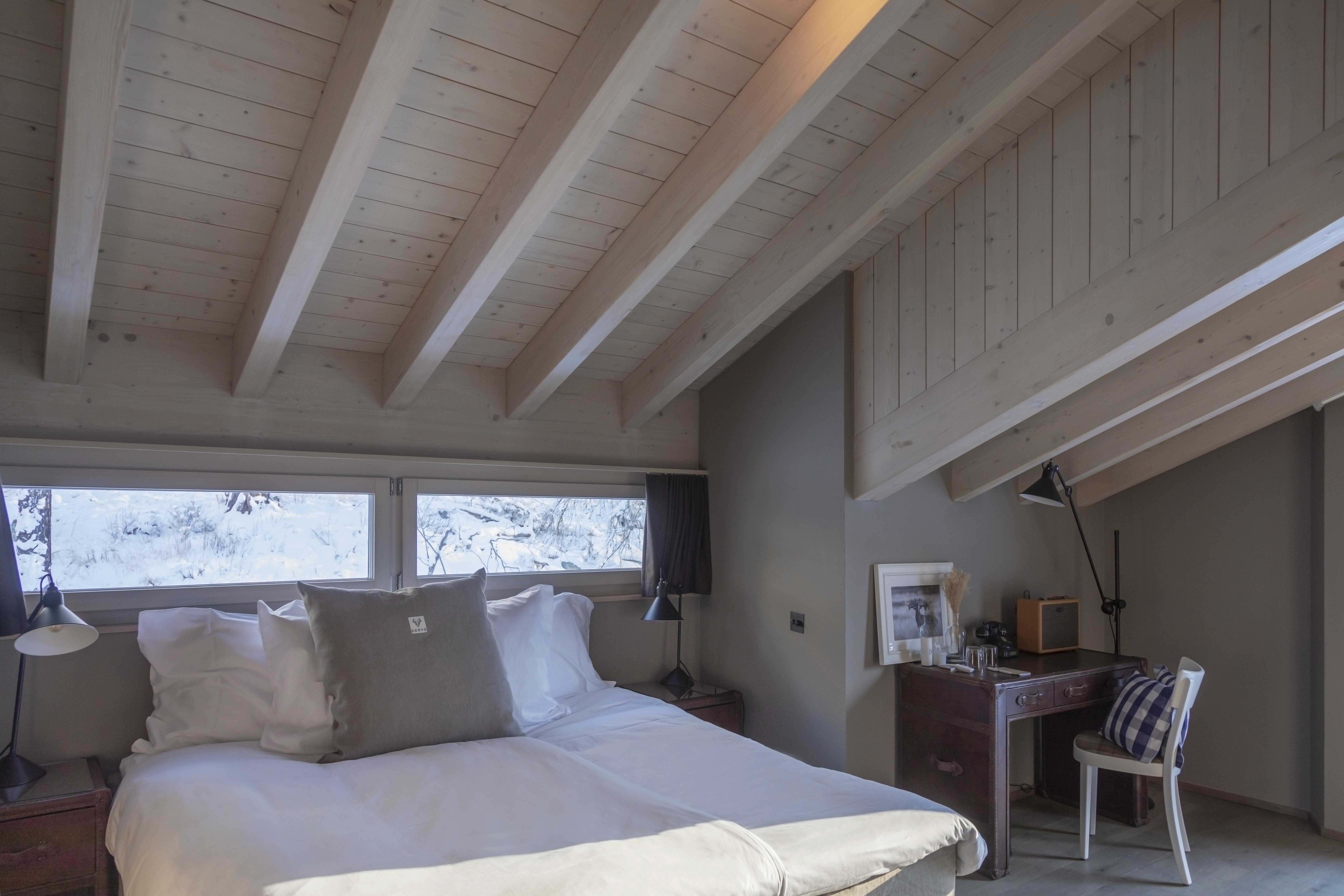 Chambre à coucher sous le toit